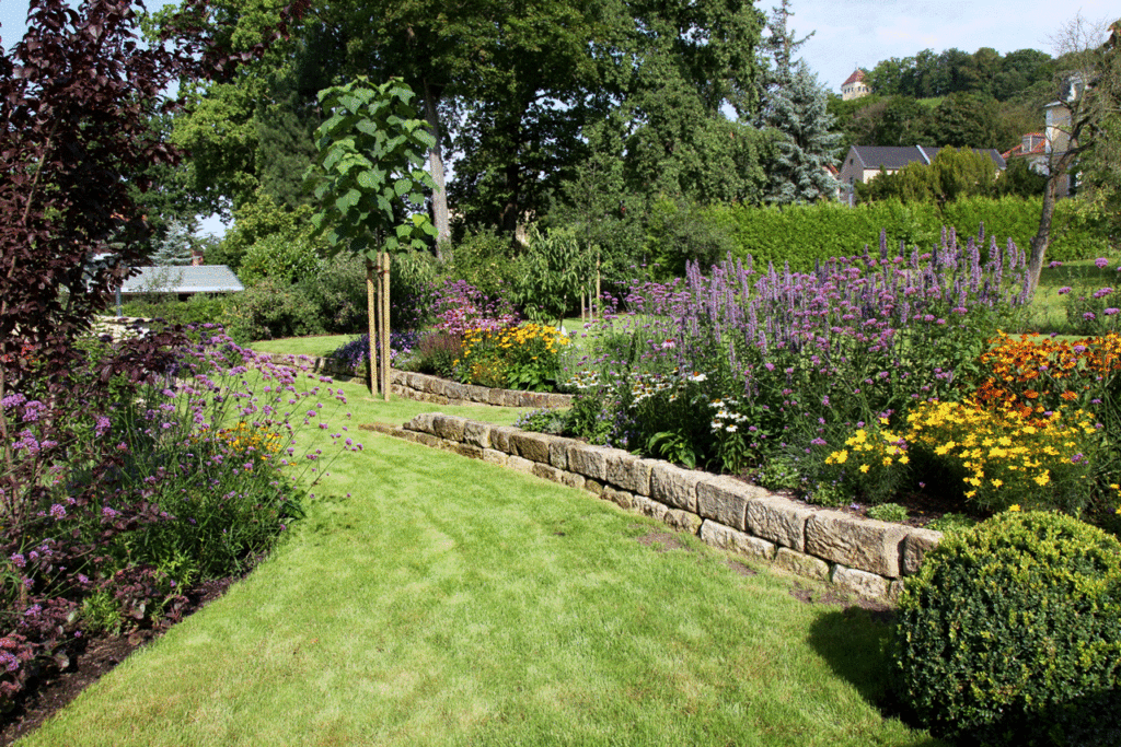 Farbige Gartenräume