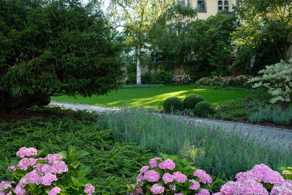 Garten mit Schwung
